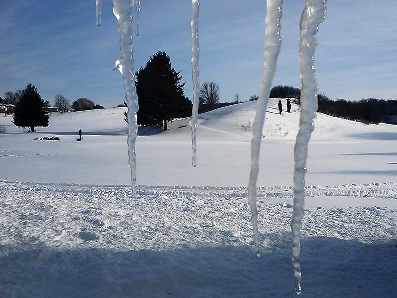 CAM00078-Icicles-in-Syracuse-20130210